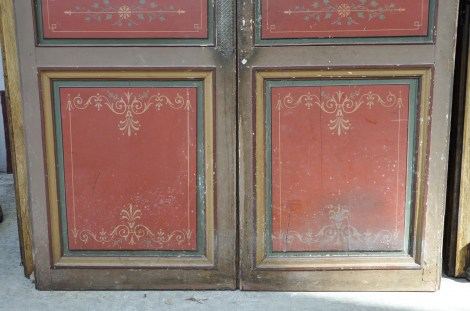 antique-double-door-with-painted-floral-decor_05_big@2x