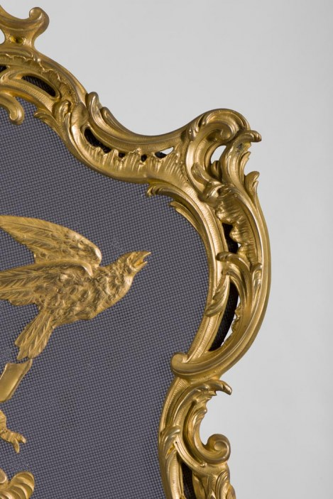 antique-louis-xv-style-firescreen-in-gilt-bronze-with-birds-and-music-instruments-decoration-10466_06_big@2x